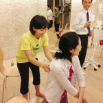 ヨガ指導法:肩甲骨は動かす方がいい?