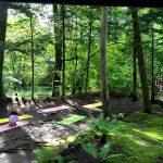 夏の軽井沢イベント 涼の音カフェで「朝の深呼吸ヨガ」